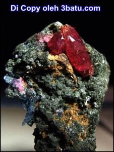 Rough Ruby dari Winza - Tanzania